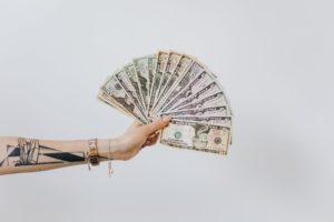 為甚麼投資新手更適合美股